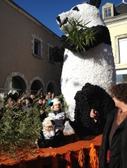 Carnaval d'Oucques et les FAMEUX pandas
