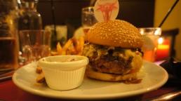Les fat burgers de l'American Bistrot, une petite adresse coup de coeur sur Paris !