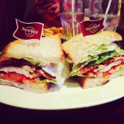 Le dernier burger de 2013, signé Hard Rock Café ! 75 009 !